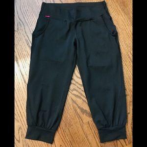 North face crop pants